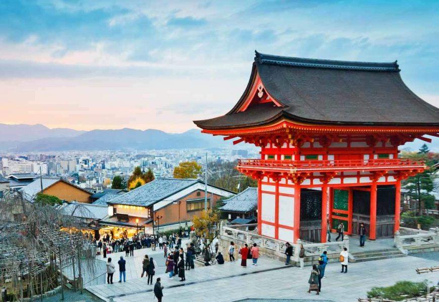中國十一長假開跑 估現8億人次旅遊潮